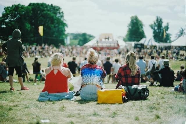 partir en vacance le temps d'un festival